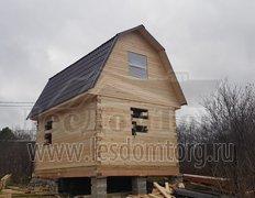 Сруб дома из профилированного бруса 140 х 140 мм. С каркасной мансардой.